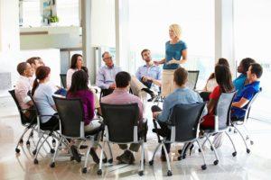 Czy udział nauczyciela związkowca w szkoleniu prowadzonym przez związek zawodowy jest czynnością doraźną?